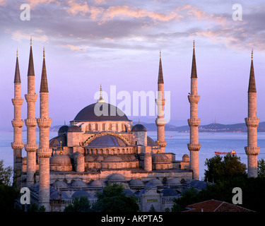 TY - ISTANBUL: The Blue Mosque - Stock Photo