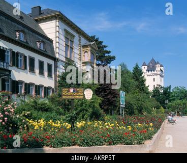 Rheinuferpromenade, Gasthaus Die Rose, Kurfuerstliche Burg, Eltville, Rhein, Rheingau, Hessen - Stock Photo