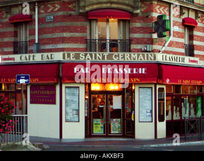 Le Saint Germain Bar Brasserie in Maison Lafitte a wealthy suburb of Paris France - Stock Photo