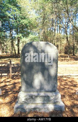Gravestone commemorating The Lost Colony at Roanoke NC - Stock Photo