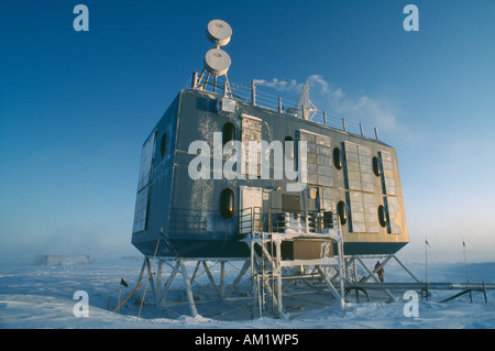 ANTARCTICA South Pole US Amundsen Scott South Pole Station Elevated dormitory - Stock Photo