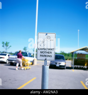 Expectant Mother Parking sign in Fort Erie Ontario Canada - Stock Photo