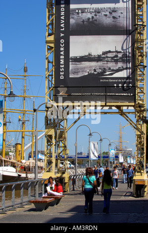 Residents of Buenos Aires out for a stroll in the popular up-market Puerto Madero district - Stock Photo