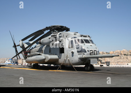 A Sikorsky CH-53E Super Stallion helicopter operated by the US Marines on board the amphibious assault ship USS Kearsarge