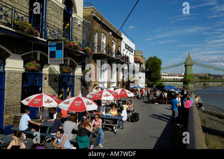 The Rutland, a Thames riverside pub in Hammersmith, London, England, UK - Stock Photo