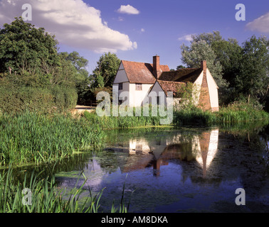 Willy Lott's Cottage on the River Stour Suffolk - Stock Photo