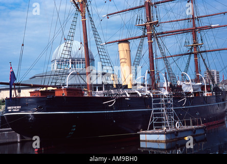 RRS Discovery wooden three-masted ship discovery point city of dundee scotland uk gb europe - Stock Photo