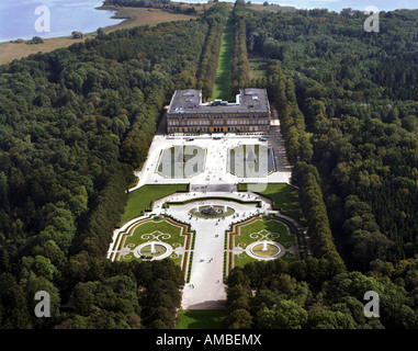Neues Schloss (New Palace) Herrenchiemsee  with fountain (build in 1878-1885), Germany, Bavaria, Priem - Stock Photo