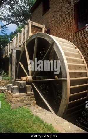 Water wheel at Colvin Run Grist Mill Fairfax VA - Stock Photo