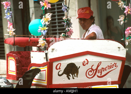 Mexiko, Yucatan, Merida, Kutscher am Plaza de Armas oder  Zocalo - Stock Photo