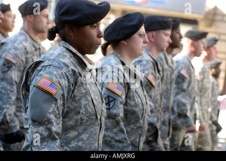 Army Reservists march in the 89th annual Veterans Day Parade in NYC - Stock Photo