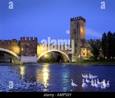 IT - VERONA:  Ponte di Castel Vecchio - Stock Photo