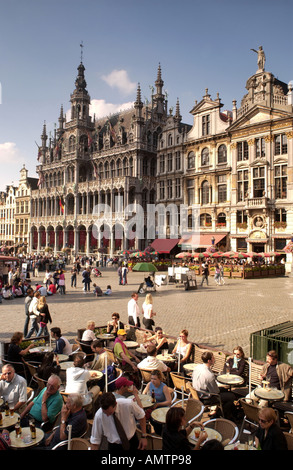 Cafes and architecture onThe Grand Place market square in the centre of Brussels in Belgium. Showing the Museum - Stock Photo