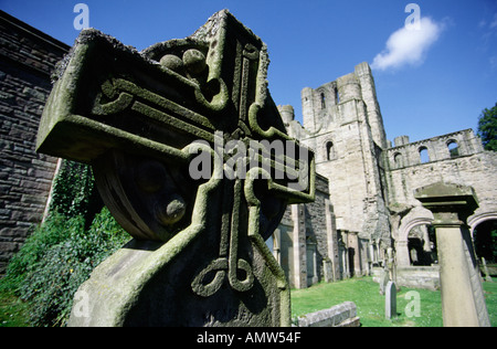Celtic cross memorial Kelso Abbey Scottish Borders UK 12th century Tironensian romanesque architecture founded by - Stock Photo