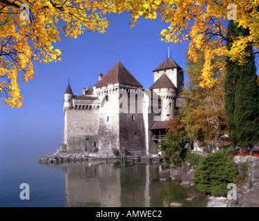 CH - VAUD: Chateau de Chillon on Lake Geneva - Stock Photo