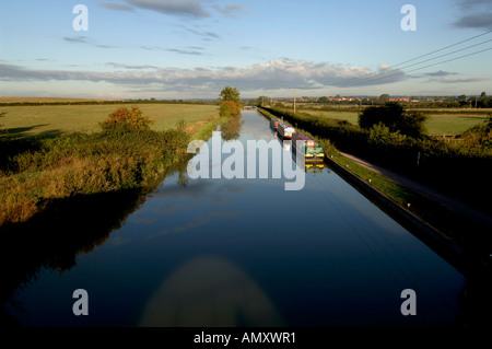 The canal stretches away at dawn near Bradford on Avon - Stock Photo