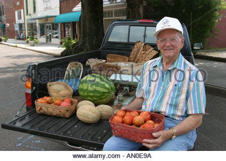 Alabama Madison pick up truck produce vendor - Stock Photo