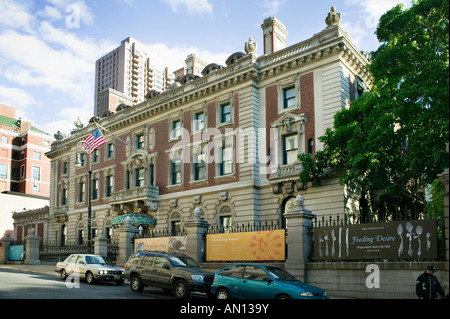 Cooper Hewitt National Design Museum Fifth Avenue and Central Park New York City - Stock Photo