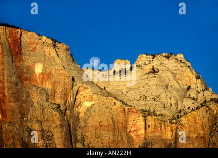 Moonset Landscape Zion Nationalpark USA - Stock Photo
