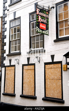 Boarded up Rosswyn Hotel in Ross on Wye Herefordshire England UK - Stock Photo