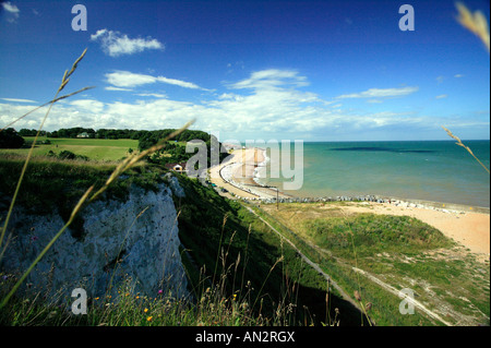 Panoramic view of Oldstairs Bay, Kent on a glorious summers day - Stock Photo