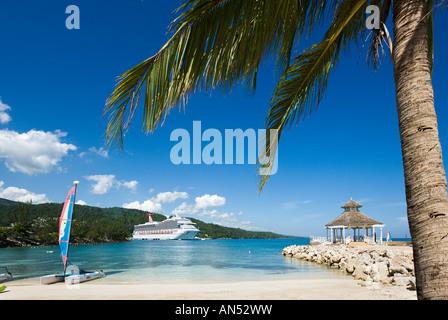 Carnival Cruise Ship Sunshine In Port Canaveral Carnival Sunshine Stock Photo 152720060 Alamy