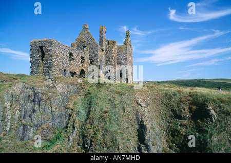 Built atop cliffs near Portpatrick Dunskey Castle dates from 1510 Dumfries and Galloway - Stock Photo