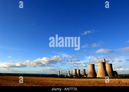 The power station with its huge cooling towers at Didcot Oxfordshire UK - Stock Photo