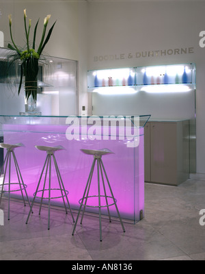 Boodle and Dunthorne, Jewellers Shop, Lord Street, Liverpool. Shop bar. Architect: Eva Jiricna Architects - Stock Photo