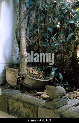 Architect's own home, Colombo, Sri Lanka (1958-1968) Bagatelle Road. Architect: Geoffrey Bawa - Stock Photo