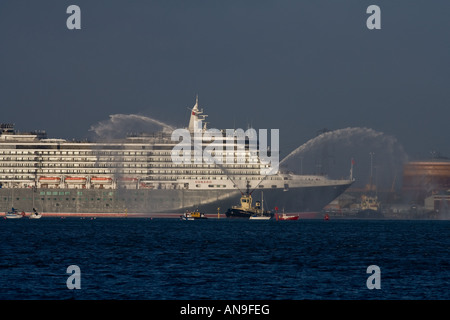 cunard cruise ship queen victoria sails into southampton docks england for the first time after being built - Stock Photo