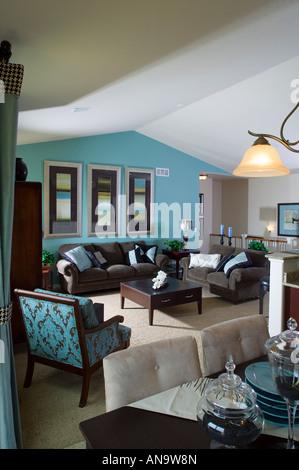 Denver Colorado Real Estate Single Family Home Middle Class Interior Living Room Dining