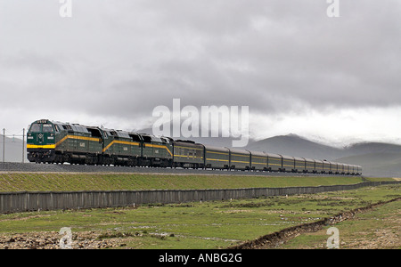 The Skytrain Qinghai province Xizang railway the world s highest train route Tibetan plateau Tibet China - Stock Photo