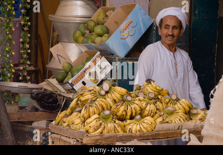 Egypt - Luxor local market souk selling fruit and vegetables - Stock Photo
