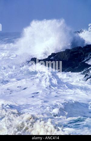 S00034 tiff High waves during storm at Devi l Churn Oregon - Stock Photo