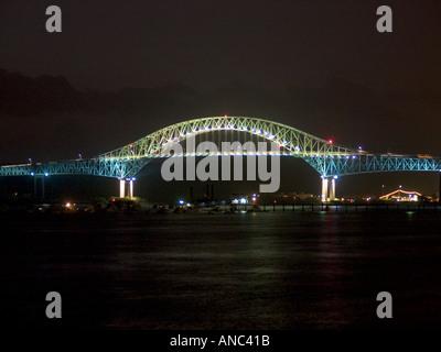Puente de las Americas, Bridge of the Americas, Thatcher Ferry Bridge, Panama, joins the north and south portions - Stock Photo