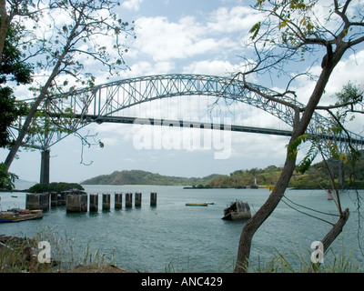 Puente de las Americas, Bridge of the Americas, Thatcher Ferry Bridge, Panama joins the north and south portions - Stock Photo