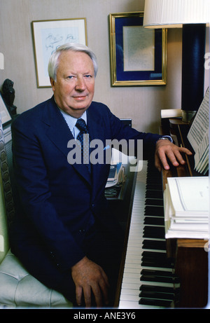 Edward Heath former Conservative leader with his piano at his home Arundells in Cathedral Close,  Salisbury, Wiltshire, - Stock Photo
