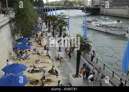 An artificial Beach set up along the Seine River in Paris, France. - Stock Photo