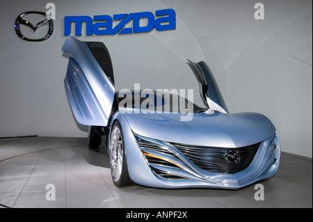 http://l450v.alamy.com/450v/anpf2x/futuristic-mazda-taiki-concept-sports-car-at-tokyo-motor-show-2007-anpf2x.jpg