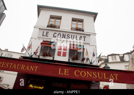 Le consulat restaurant in the montmartre paris france for Le miroir restaurant montmartre