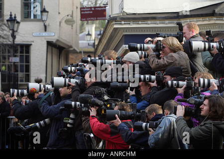 Photographers outside the Guild Hall in Windsor. Picture by James Boardman - Stock Photo
