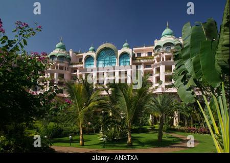 India Karnataka Bangalore Leela Palace Hotel Swimmingpool Asia Stock Photo Royalty Free Image