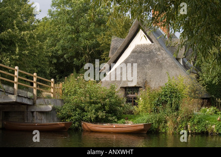Bridge Cottage, Flatford Mill, Suffolk - Stock Photo