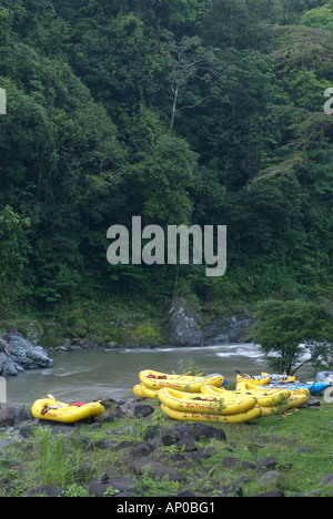 Inflatable rafts on Pacuare River Costa Rica - Stock Photo