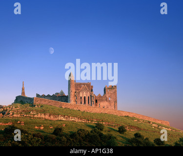 IE - CO. TIPPERARY: Rock of Cashel - Stock Photo