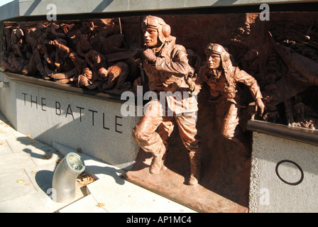 The Battle of Britain Second World War 2 bronze memorial sculpture & monument by Paul Day Victoria Thames Embankment - Stock Photo