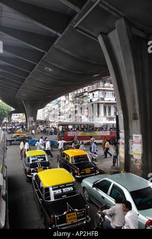 AAD72348 Under J J Fly Over Bhindi Bazar Mumbai Maharashtra India - Stock Photo