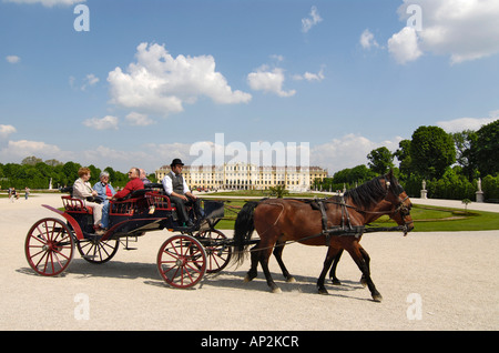 Horse and carriage in front of Schonbrunn Palace, Vienna, Austria - Stock Photo