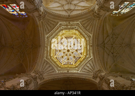 Vault of the dome, cupola, 16th Century, 59m high, in Cathedral Santa María, Catedral Santa María, Burgos, Castilla - Stock Photo